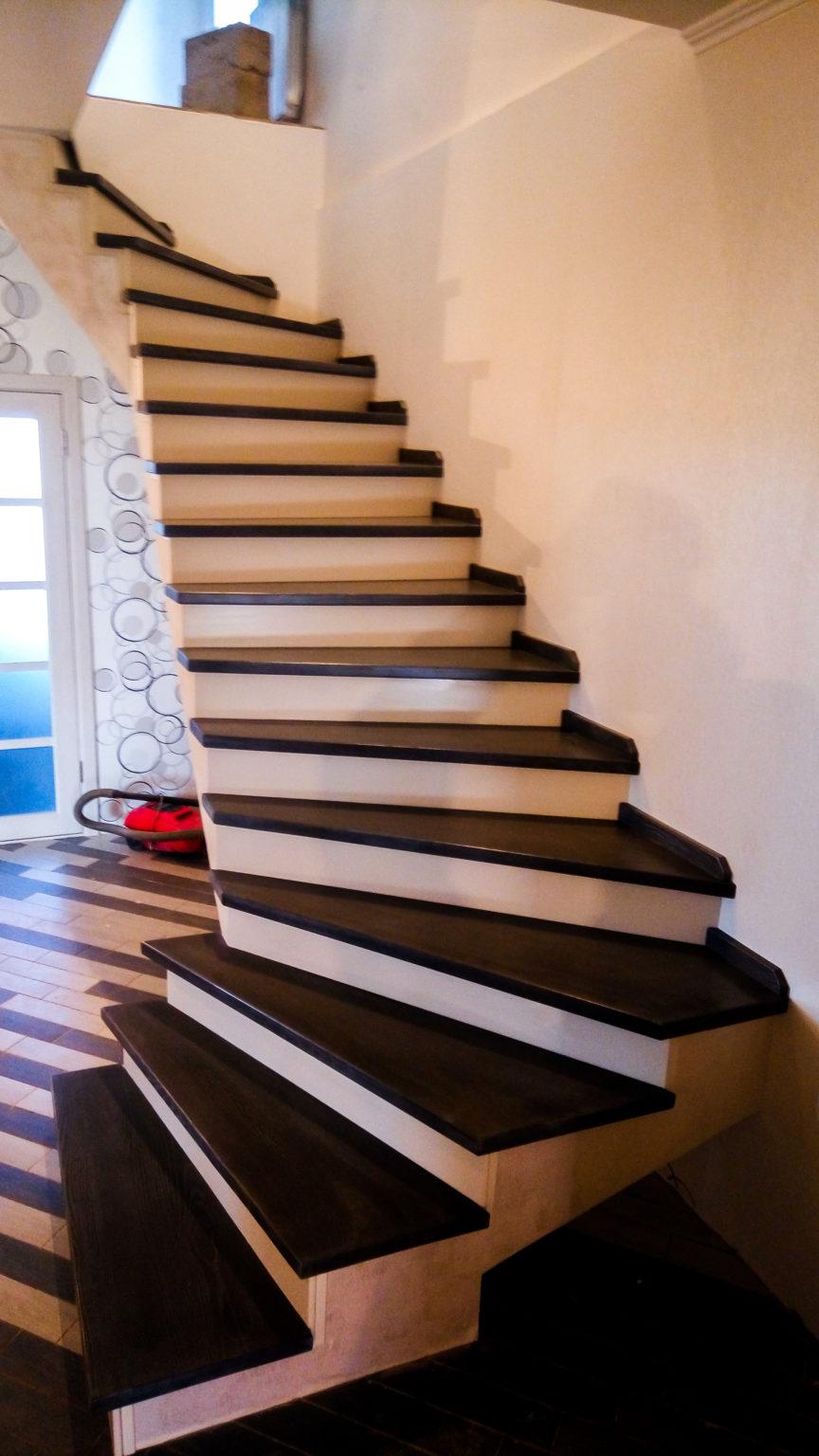 Лестница в частном доме – комфорт и безопасность