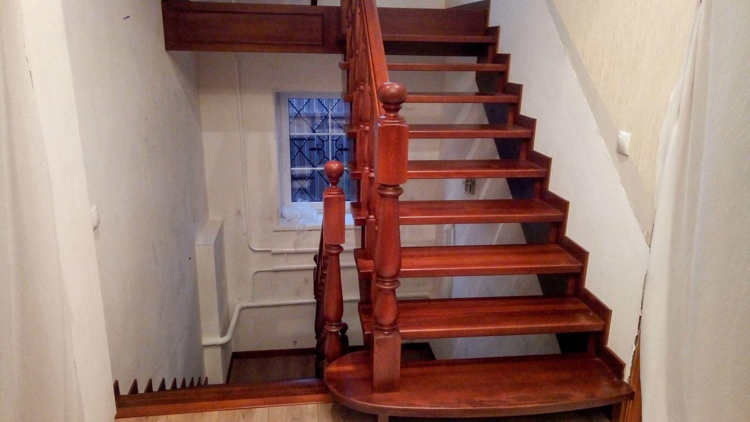 Лестницы на 2 этаж: большой выбор типов конструкций, приятные цены